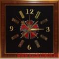 Настенные часы с эмблемой Главного разведывательного управления Генштаба