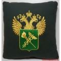 Подушка с вышитой эмблемой ФТС России