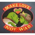 Нашивка Make love not war